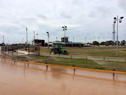 Inside track maintenance
